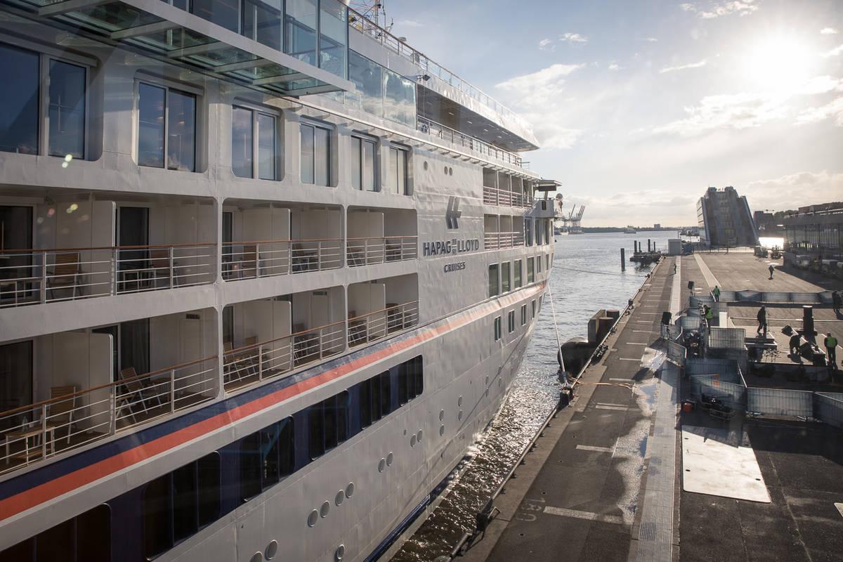 Hanseatic Nature Die Taufe Hapag Lloyd Cruises Tauft Das