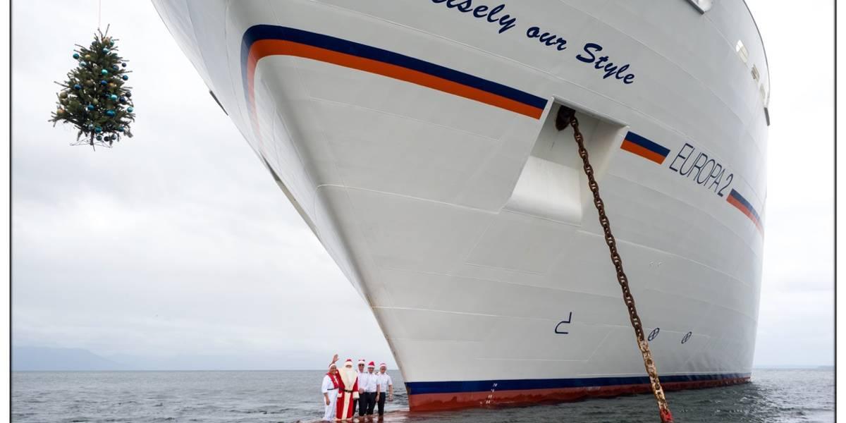 Bilder des Tages: Frohe Weihnachten wünschen die Kapitäne von Hapag ...