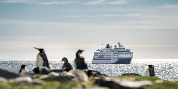 Antarktis- & Arktis-Reisen