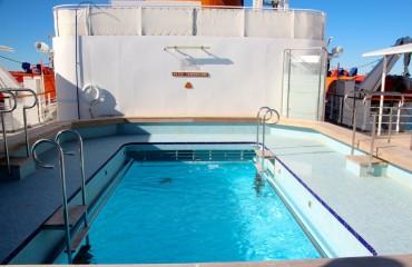 Antarktis_Kreuzfahrt_Bremen_Pool_pushreset