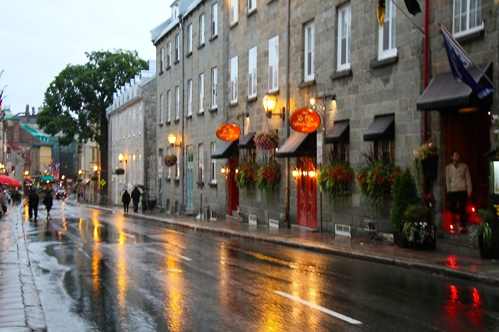 its raining in Quebec