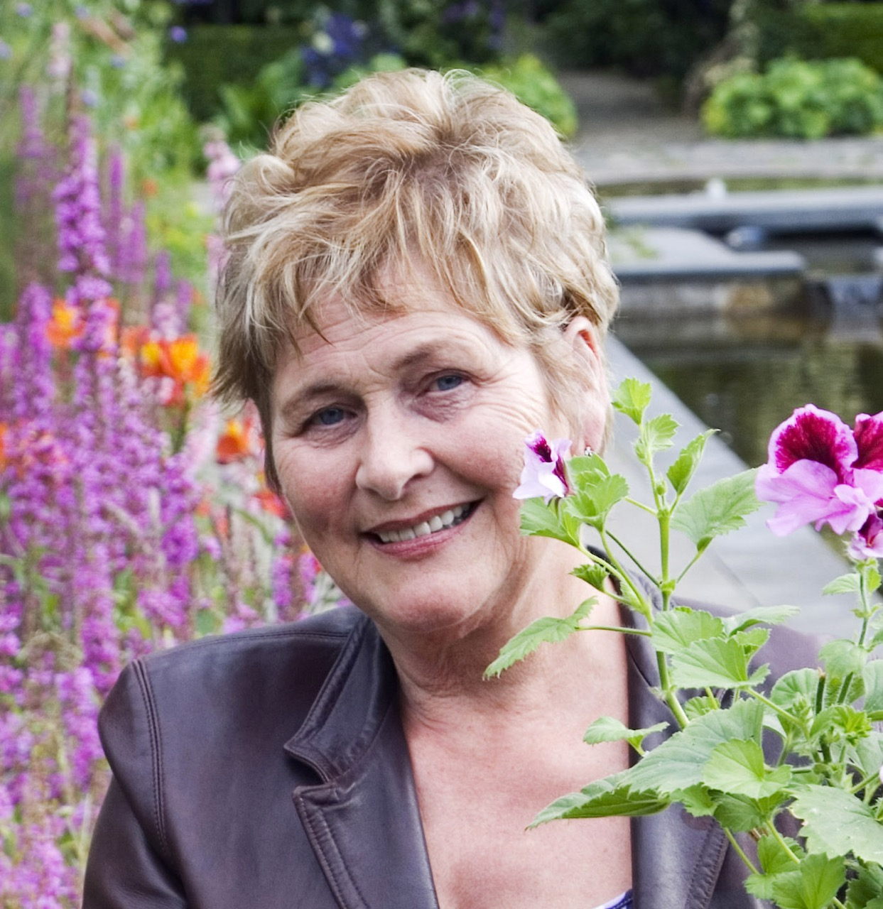 7.picture helen dillon