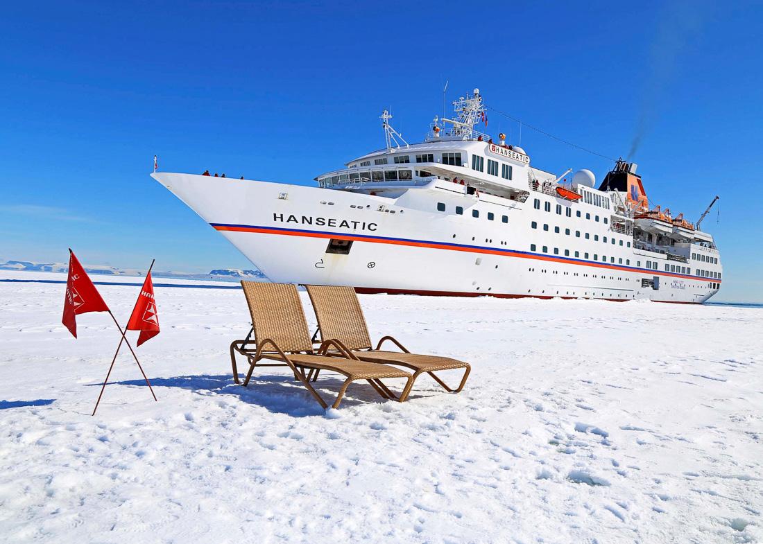 HANSEATIC-Antarktis-Hapag-Lloyd-Cruises-10