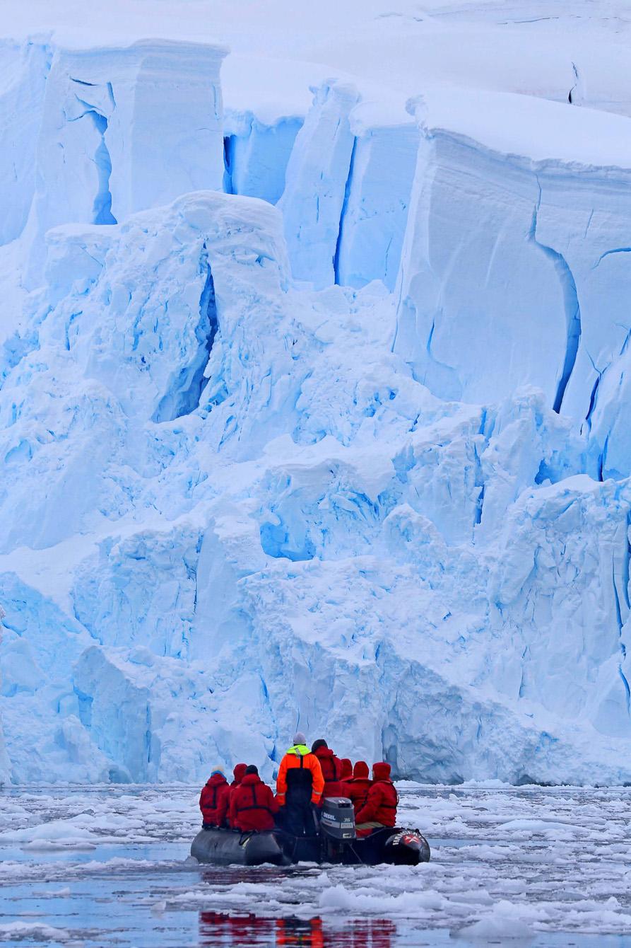 HANSEATIC-Antarktis-Hapag-Lloyd-Cruises-31