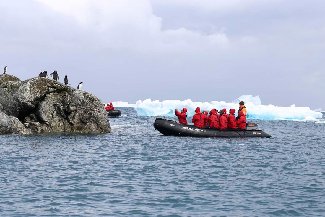 HANSEATIC-Antarktis-Hapag-Lloyd-Cruises-9