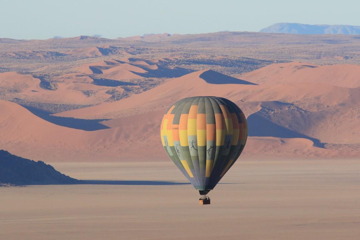Ballon übder der Namib