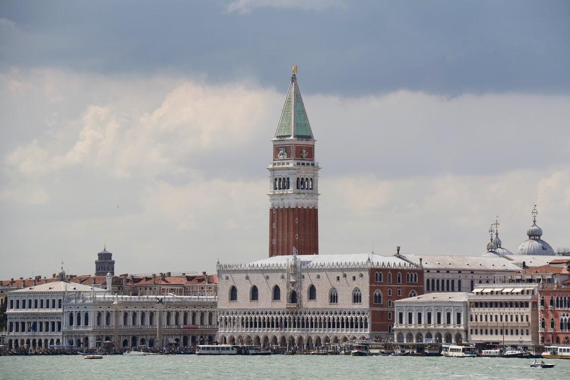 03 Bella Venezia, Dogenpalast und Campanille (Copy)
