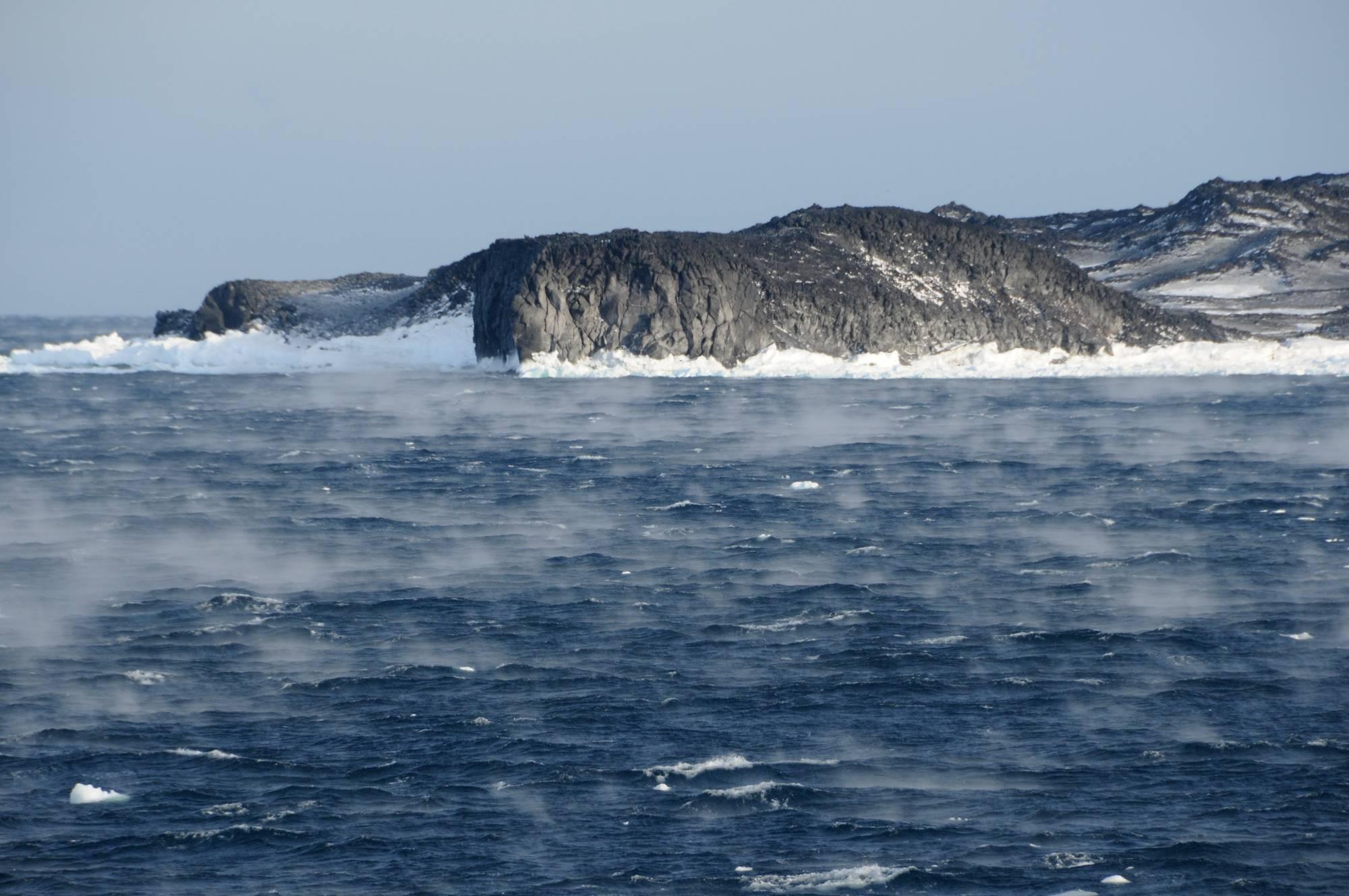 Cape Royds,seasmoke2