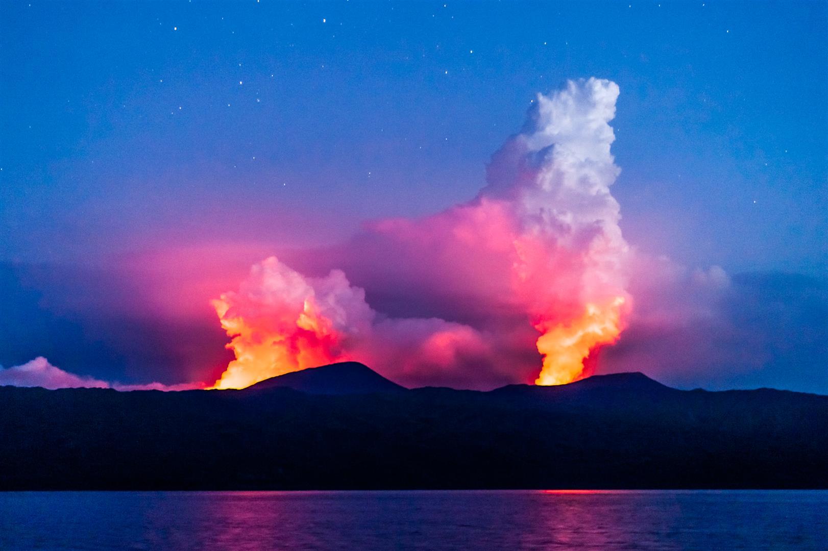 Ambrym 2 Eruptionssäulen 29.03. Georg Steeger (1)