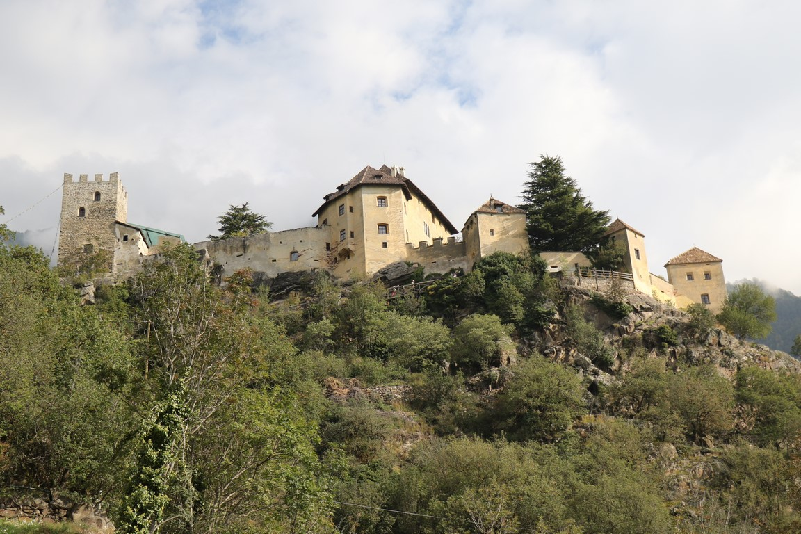 119 Burg Juval, Südtirol (Copy)