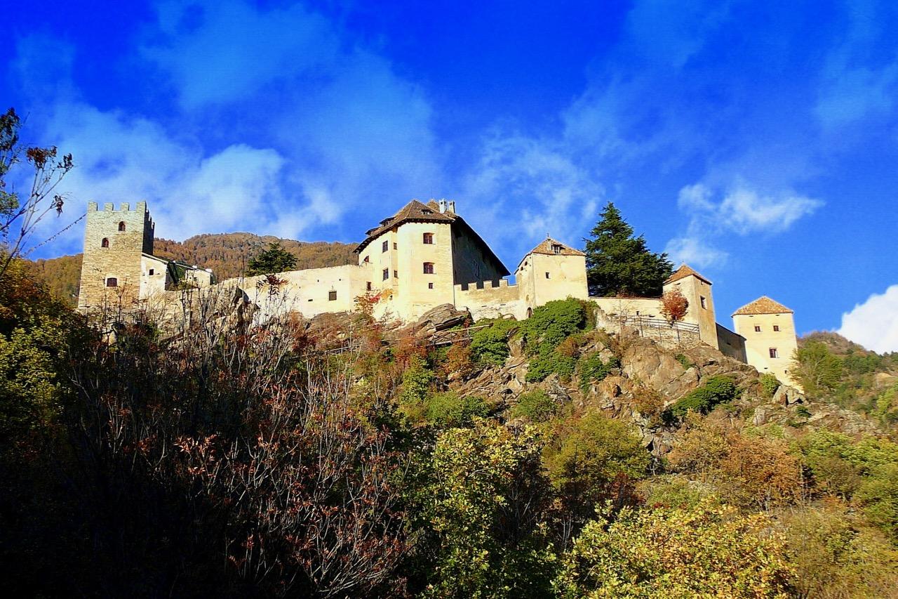 Privatjet_Himalaya_SchlossJuval