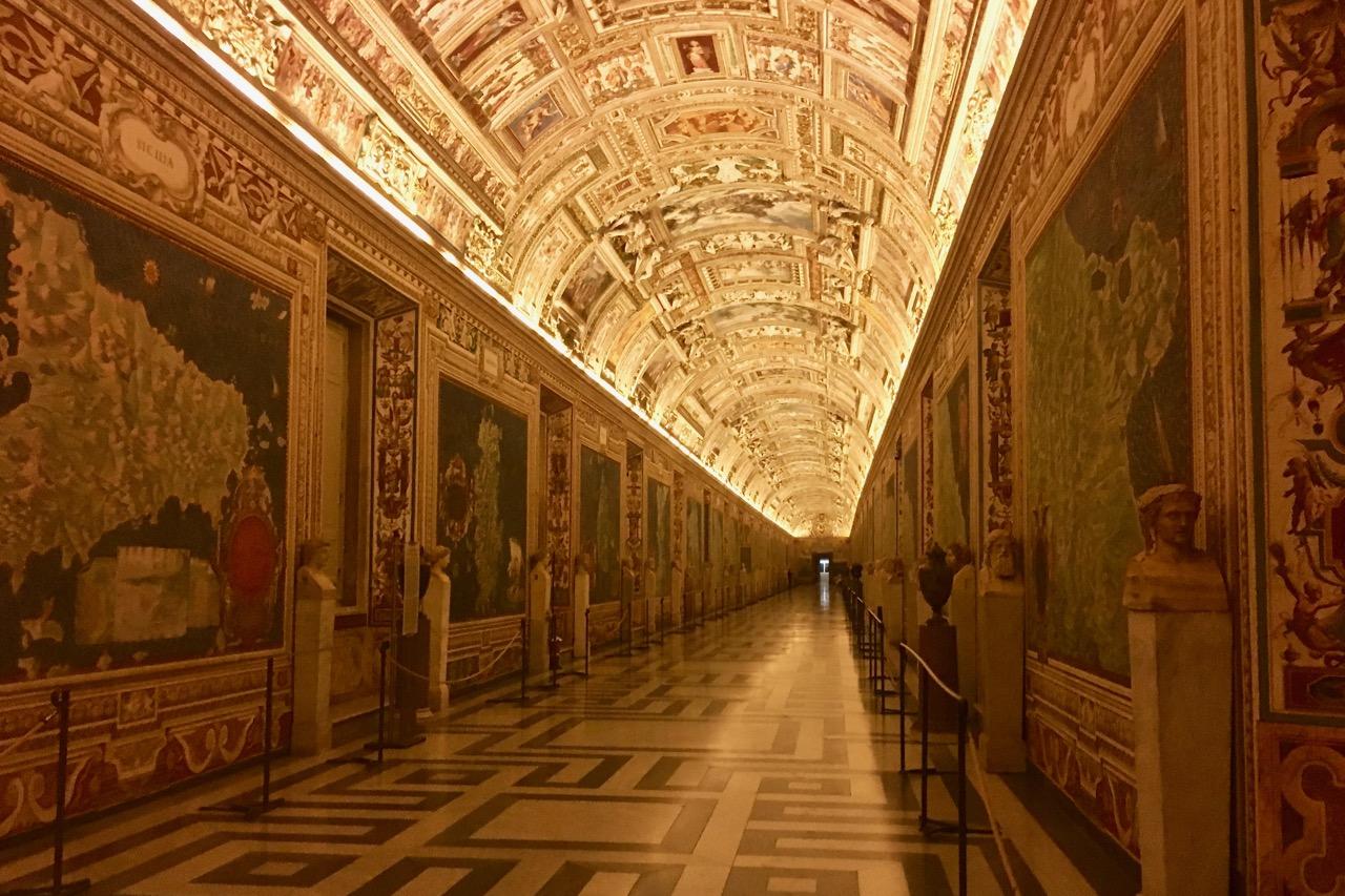 JET_Ursprung_VatikanischesMuseumGang