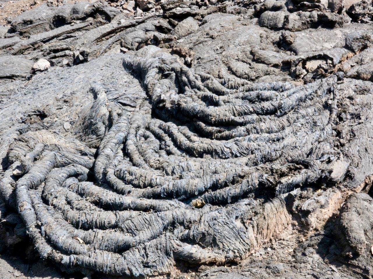 Pahoehoe Lava vom Ausbruch 2015