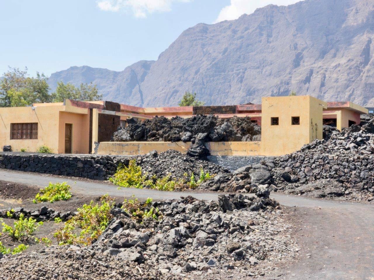Zerstörtes Haus vom Ausbruch 2015