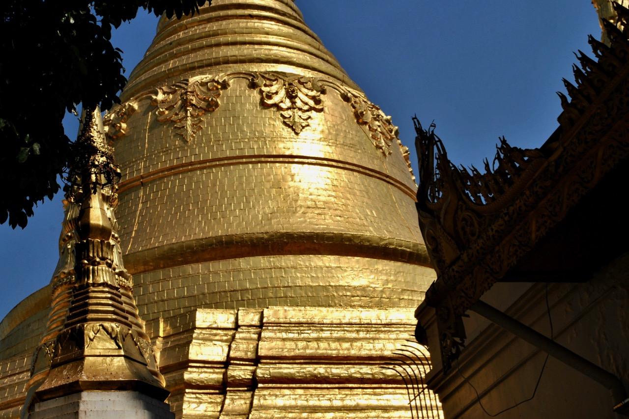 Stupa-Berg aus Gold