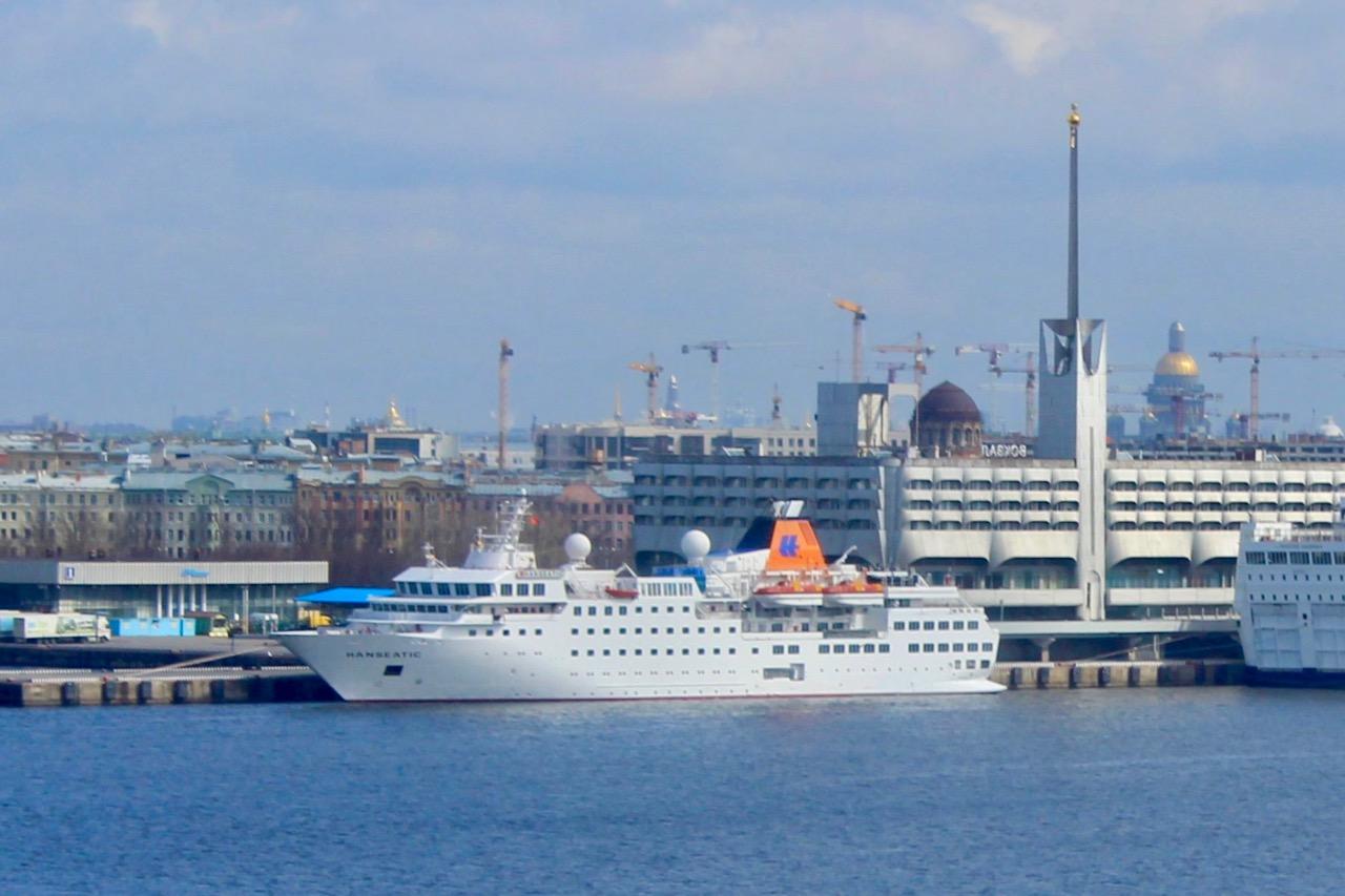St. Petersburg, Hanseatic im Hafen (C ) Seick