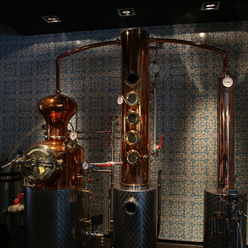 Gin Sul, Manufaktur Hamburg, Stephan Garbe. Abfüllung des Gins, der mit der EUROPA2 auf Reise gehen wird. ©Susanne Baad, Passagen Blog