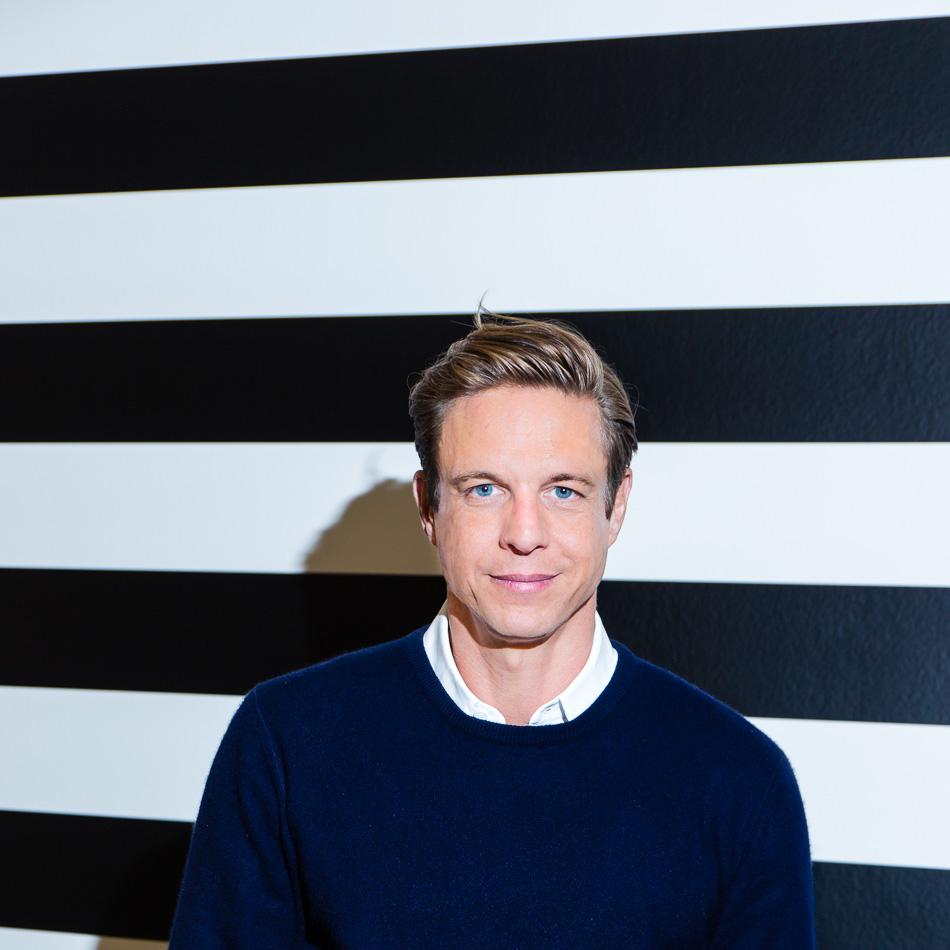Im Showroom von Steffen Schraut in Düsseldorf, Interview für das E2MAG von Hapag-Lloyd Cruises. ©Susanne Baade