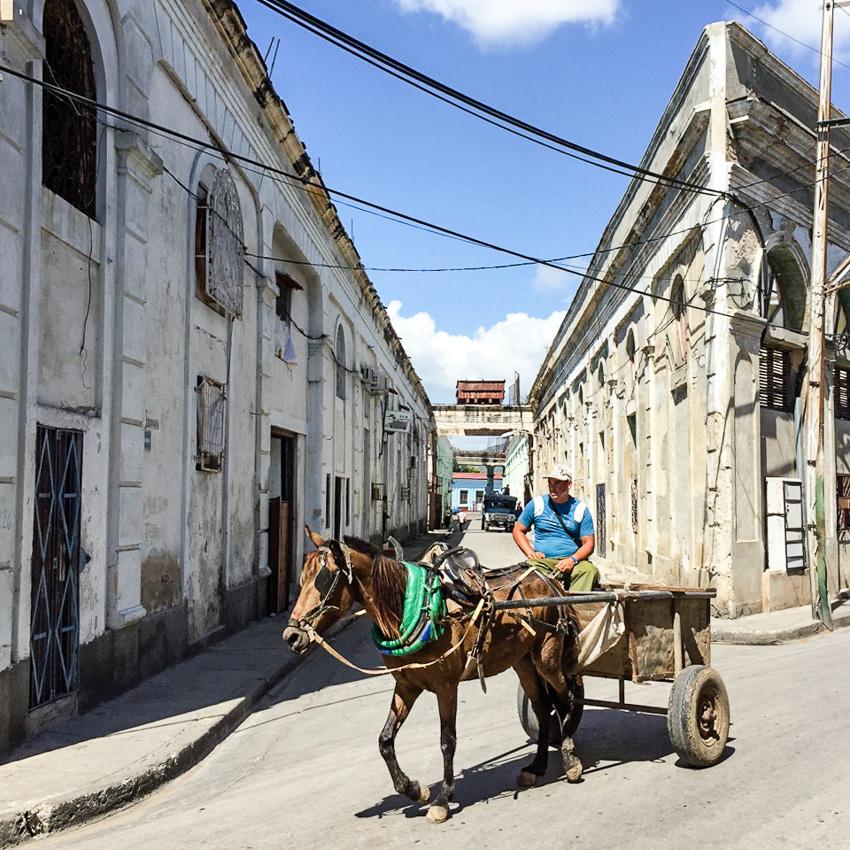 Olaf Alp an Bord der EUROPA 2 im Hafen von Havanna, Kuba