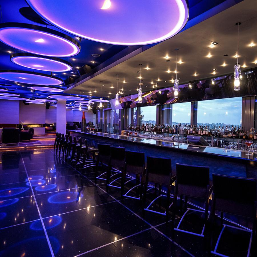 Bar-Hilton-4