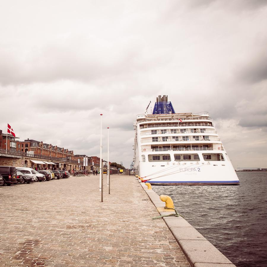 EUROPA 2 in Kopenhagen. Hapag-Lloyd Cruises